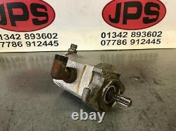 Front hydraulic reel /cylinder drive motor X Toro 3250 mower, 100-6428. £80+VAT