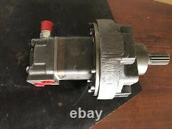White Drive Products Hydraulic Motor SN 240075005 New Surplus Stock